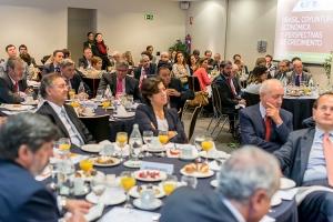 El ex ministro de Asuntos Exteriores de Brasil, Luiz Felipe Lampreia, participó el 30 de septiembre en un desayuno coloquio organizado por la Fundación Consejo España-Brasil e IE Business School.